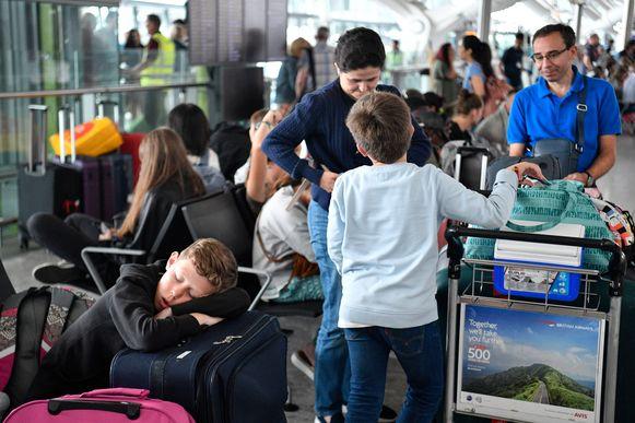Met het vliegtuig op reis gaan: iets om je voor te schamen?