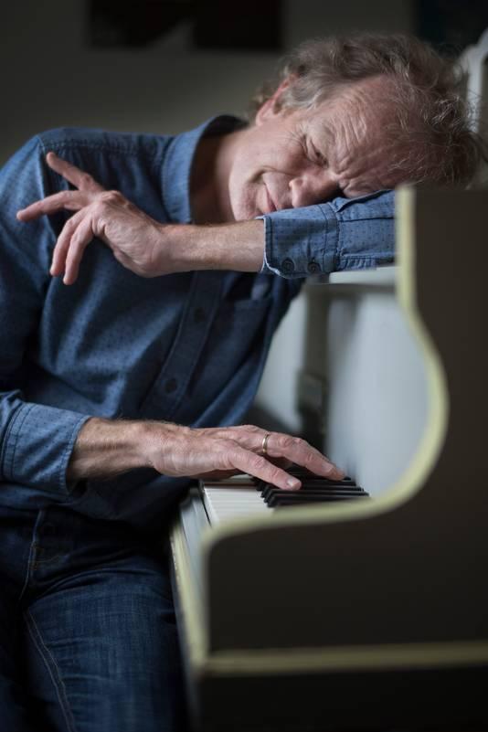 Pianist en muzikant Bert van den Brink.