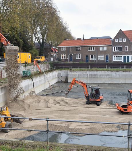 Buurtbewoners bouwput Middelburg: 'Parkeren op straat goedkoper dan in privékelder'