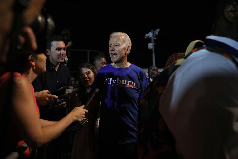 Democratisch presidentskandidaat Joe Biden maakt zijn opwachting tijdens een evenement in Columbia, South Carolina. Beeld AFP