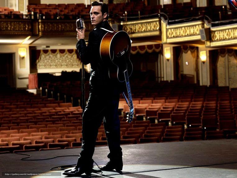 Joaquin Phoenix als Johnny Cash in Walk The Line. Beeld
