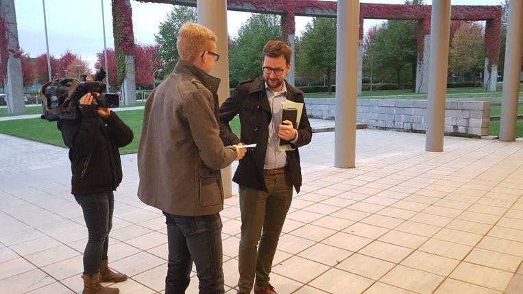 Voor de aanvang de gemeenteraad voerde Jong CD&V symbolisch protest tegen de aanpassingen van de plannen voor De Leet.