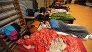 Leerlingen overnachten na weddenschap