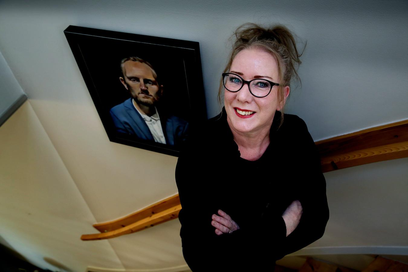 Kunstenaar/portretschilder Wilma Geerts.