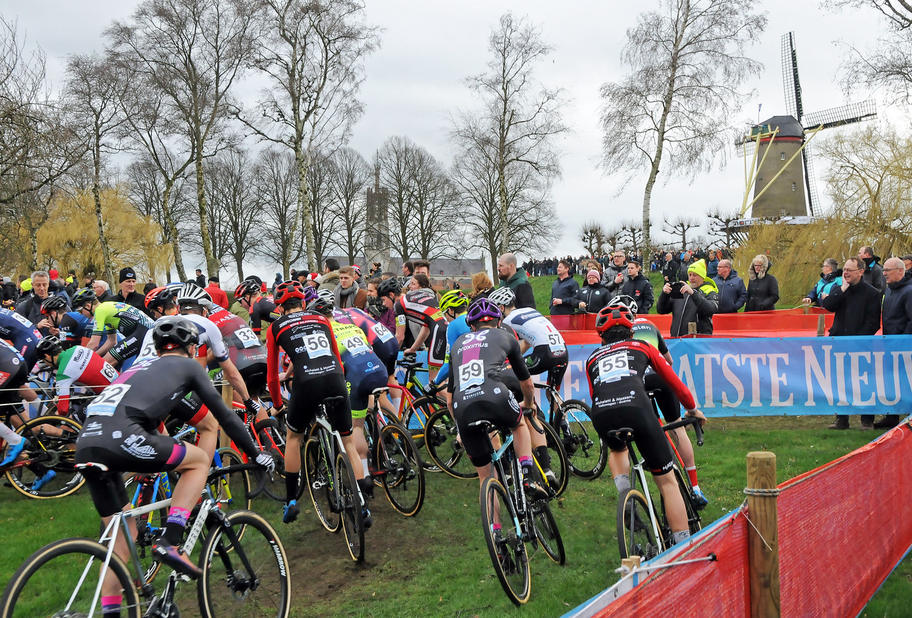 De start van de Vestingcross, begin dit jaar.