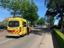 Mountainbiker gewond na botsing met brommer in Bornerbroek