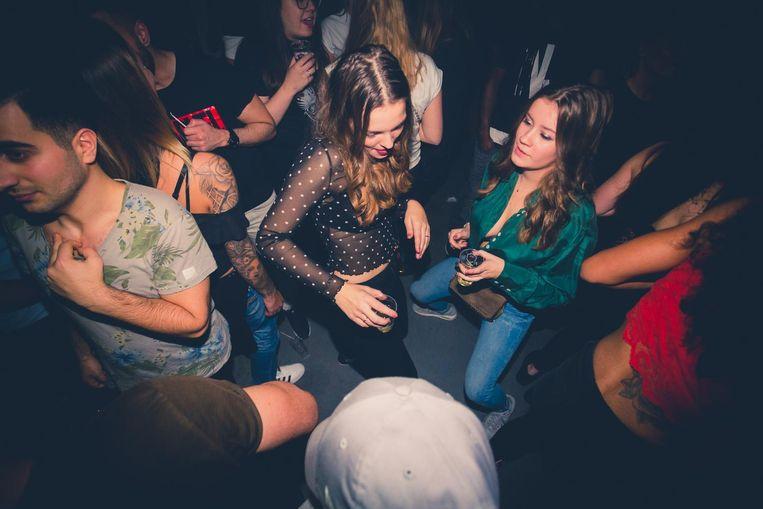 Op Latijns-Amerikaanse en Caribische ritmes wordt zaterdag in de Westerunie gedanst. Beeld VanZwolFotografie
