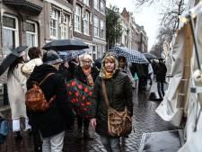 Zaterdag Dordtse kerstmarkt afgelast vanwege slecht weer: wind gooit roet in het eten