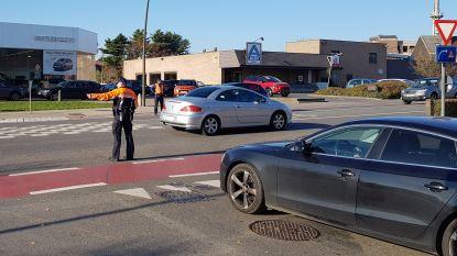 Politie moet verkeer regelen nadat Bergensesteenweg afgesloten bleef