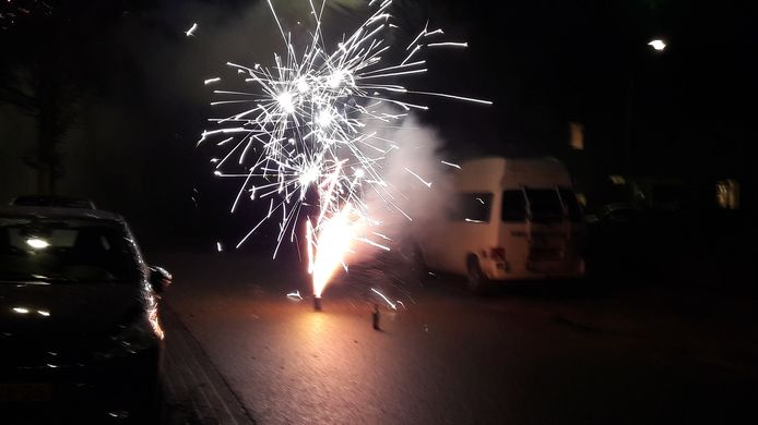 Vuurwerk op straat.