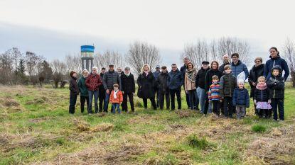 """Buurtprotest tegen plannen Gursten Velt: """"Geen loodsen tot acht meter hoog in plaats van groene weides en velden"""""""