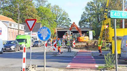 Werken aan Assesteenweg en op- en afrittencomplex van start: forse verkeershinder op komst