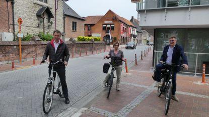 """Na Deinze wordt ook Nevele fietszone: """"Fietser heeft altijd voorrang in centrumstraten"""""""