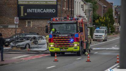 Wagen brandt uit: oorzaak nog niet gekend