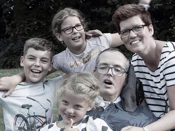 Spakenburger André Beukers kreeg twee herseninfarcten en bleef vechten voor zijn gezin