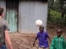 Ballen van Arnhemse Boys belanden in Tanzania