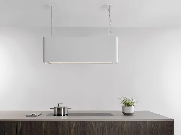 Een recirculatiedampkap zuigt lucht aan uit je woning, filtert de kookgeurtjes en blaast de gefilterde lucht weer de ruimte in.