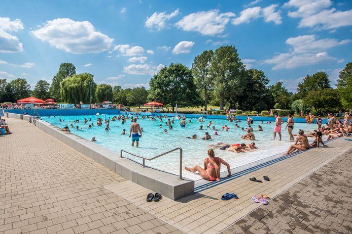 Het zwembad in Ahaus is populair bij Nederlanders.