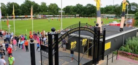 Heracles en FC Twente oefenen bij DOS '37