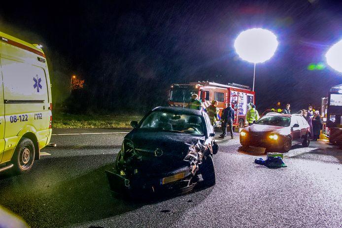 De ravage na het bizarre ongeval op de A15.