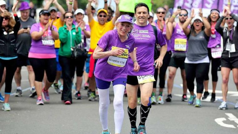 De 920jarige Harriette Thompson was in 2015 de oudste brouw die ooit een marathon voltooide. Lichaamsbeweging is een manier om de hersens fit te houden. Beeld Trouw