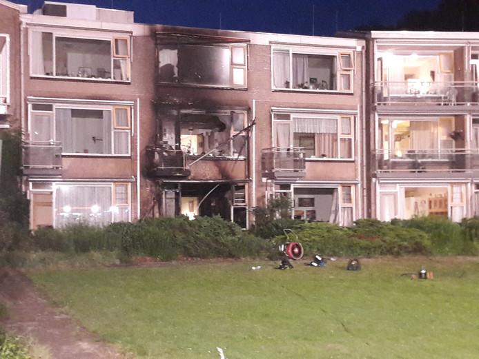 Drie appartementen zijn uitgebrand of beschadigd.