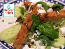 Recept van de dag: Auberginefrietjes met Griekse salade
