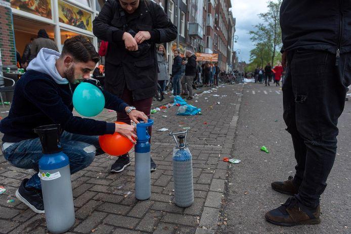 Lachgas op Koningsdag in Amsterdam