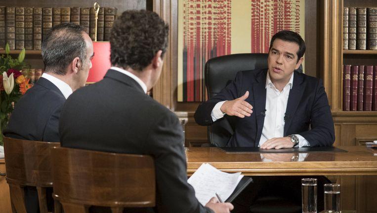 Alexis Tsipras tijdens het interview. Beeld null