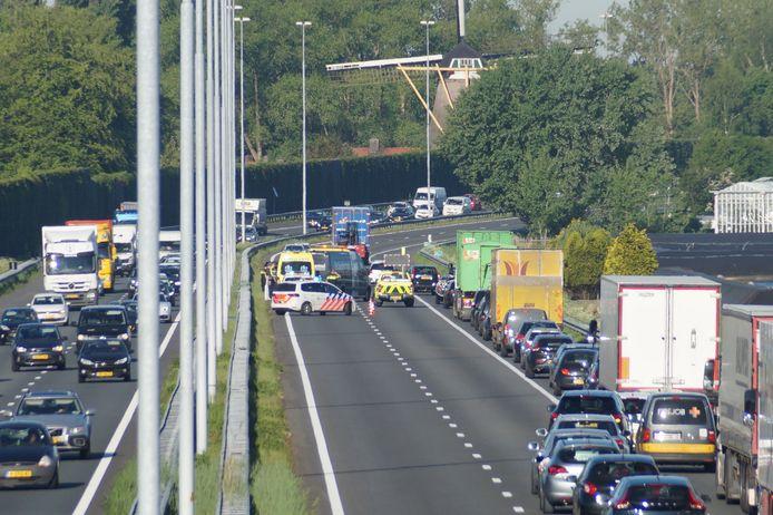 Een ongeluk op de A59 bij Drunen