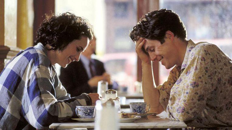 Sandra MacDowell en Hugh Grant in Four Weddings and a Funeral. Beeld