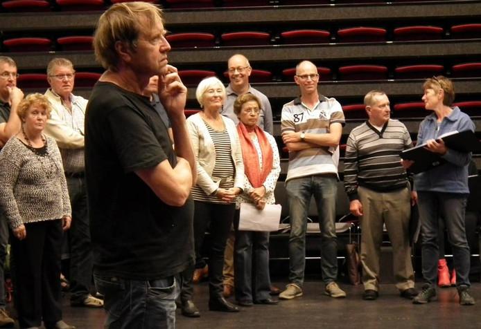 Albert Bonnema tijdens een van de repetities van La Mascotte.