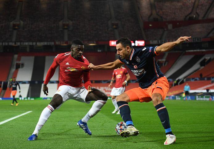 Chadli aan het werk tegen Man United.
