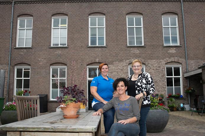 Ankie Vermeulen (links),  Anite de Greef (midden) en Yvonne Holding (rechts).