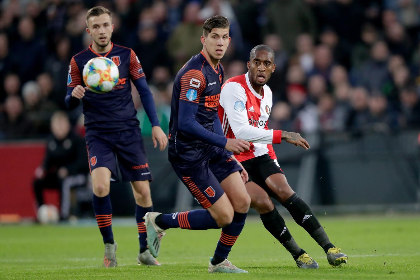 RKC-middenvelder Stijn Spierings (midden) in actie tijdens het duel met Feyenoord (3-2 nederlaag). Leroy Fer (rechts) en Dylan Vente kijken toe.