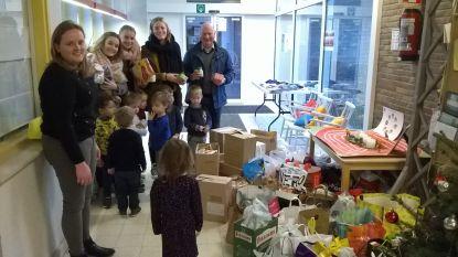 Sint-Martinusschool Zomergem geeft voedselpakketten aan kansarmen