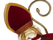 Sinterklaas rijdt Klooster in Nuenen weer voorbij