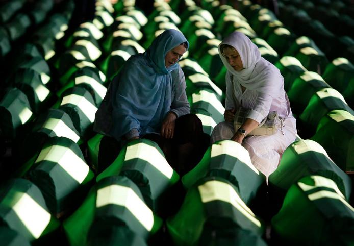 Wie twijfelt aan de intenties van het streven naar een 'steeds hechter verbond van volkeren' moet eens het herdenkingscentrum in Sebrenica bezoeken.