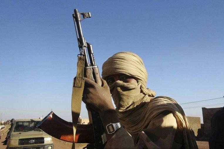 Een strijder in het noorden van Mali. Beeld REUTERS