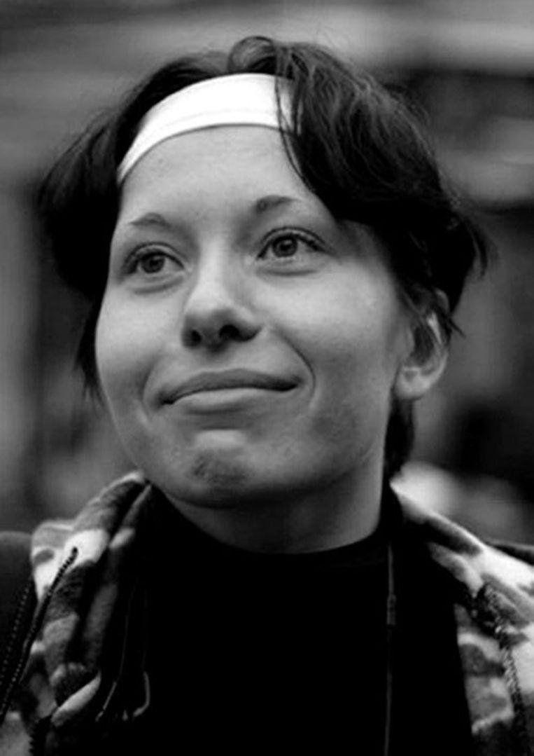 Portret uit 2007 van journaliste Anastasia Baburova. Zij is volgens diverse bronnen op klaarlichte dag door het hoofd geschoten. Ook de bekende jurist Stanislav Markelov werd dodelijk getroffen. Foto AP Beeld