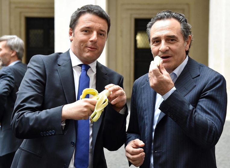 Ook de Italiaanse premier Matteo Renzi en bondscoach Cesare Prandelli deden mee.