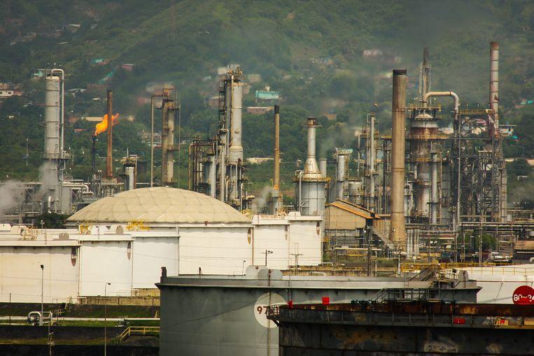 Een olieraffinaderij in Puerto La Cruz, Venezuela. Beeld epa