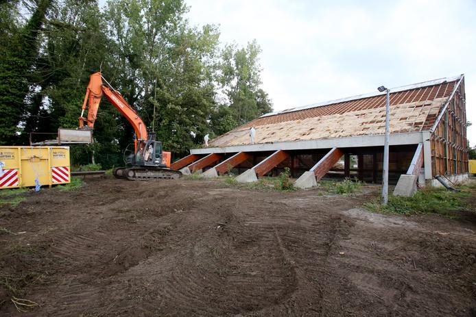 De kerk in de Knotwilgenlaan werd in de zomer van 2016 afgebroken.