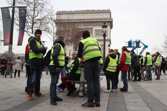 Het protest van de gele hesjes vandaag in Parijs. Het zevende actieweekend is kalm begonnen.
