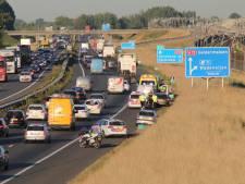 File op A15 door ongeval bij Tiel