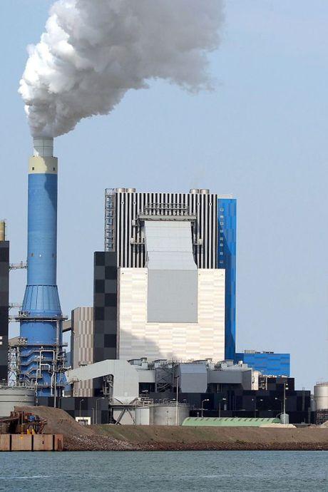 Gouden deal voor investeerder, vakbond vreest sof voor werknemers van kolencentrale op de Maasvlakte
