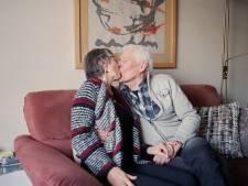 De Oefendokter maakt seks bij ouderen bespreekbaar