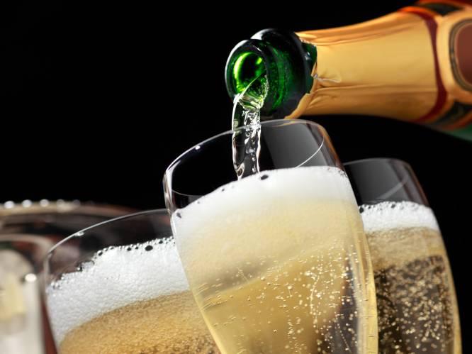 Minder dan 10 euro voor fles champagne: ongeziene promoties voor feestdagen door prijzenoorlog