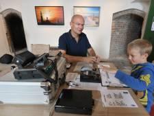 Stef ontdekt morse in de vuurtoren in Westkapelle
