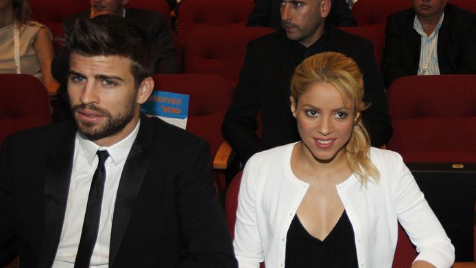 Zangeres Shakira met haar tien jaar jongere vriend, voetballer Gerard Pique.